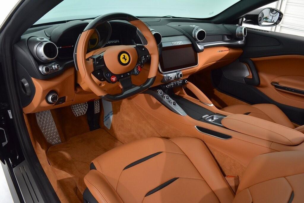 2019 Ferrari GTC4Lusso T image _6011271320b266.16031168.jpg