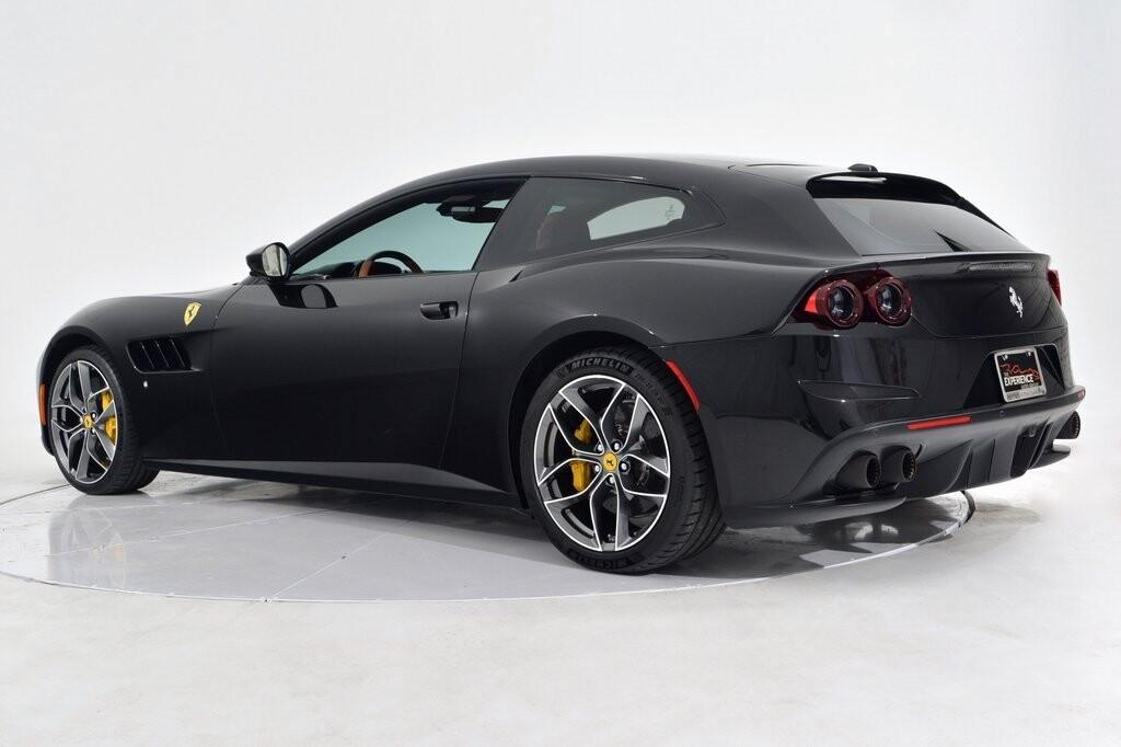 2019 Ferrari GTC4Lusso T image _6011271531bbf6.94234688.jpg