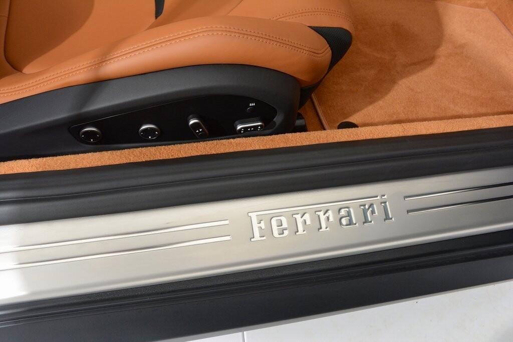 2019 Ferrari GTC4Lusso T image _601127204c1466.44245988.jpg