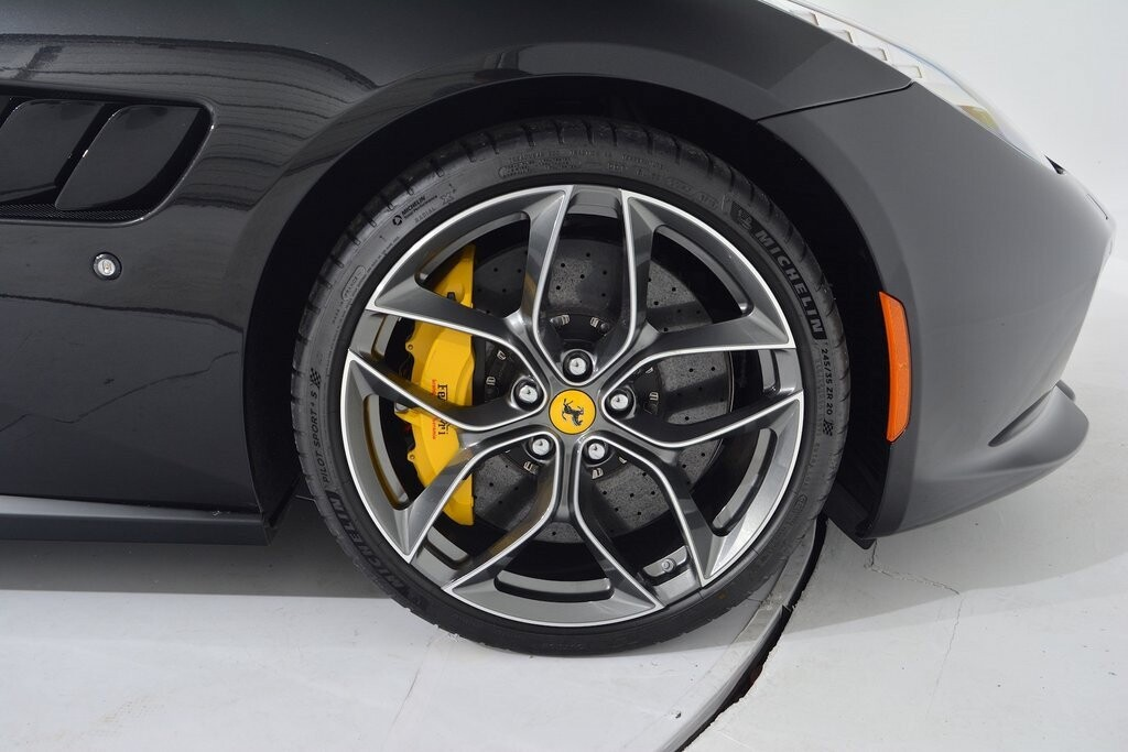 2019 Ferrari GTC4Lusso T image _6011272e764874.09143819.jpg