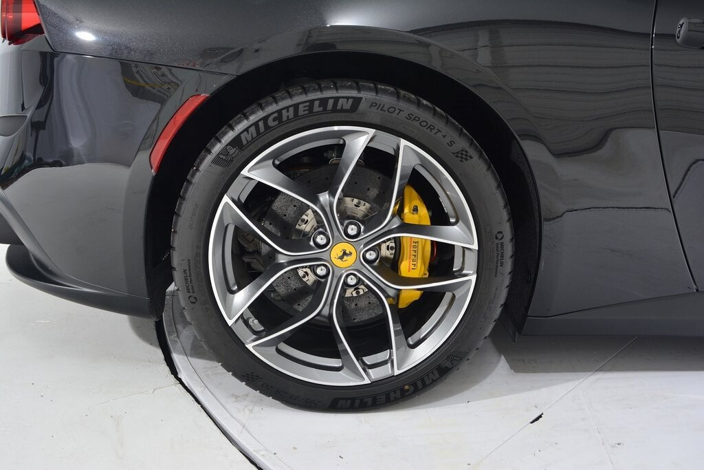 2019 Ferrari GTC4Lusso T image _6011272f0e2783.25464182.jpg