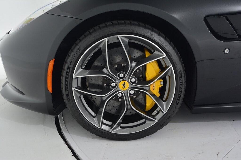 2019 Ferrari GTC4Lusso T image _6011273034f631.12734797.jpg