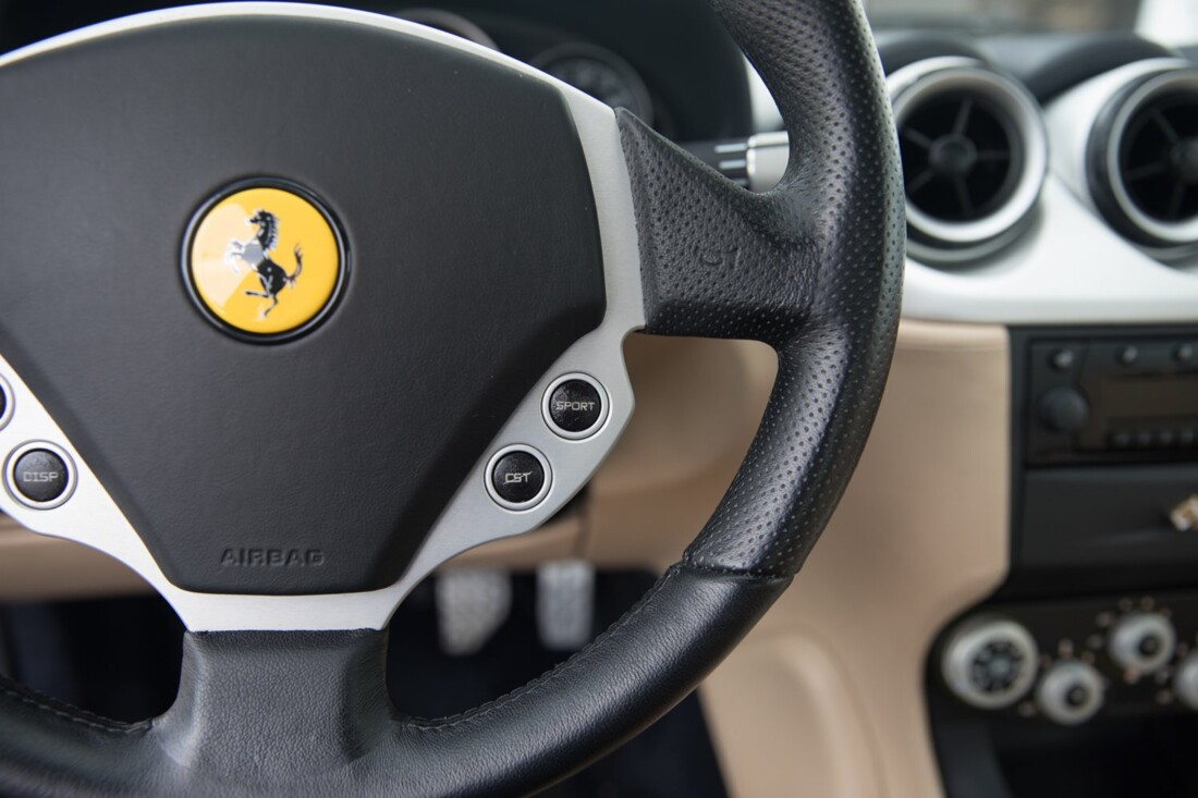 2005 Ferrari 612 Scaglietti image _60c36c2136e872.55569138.jpg