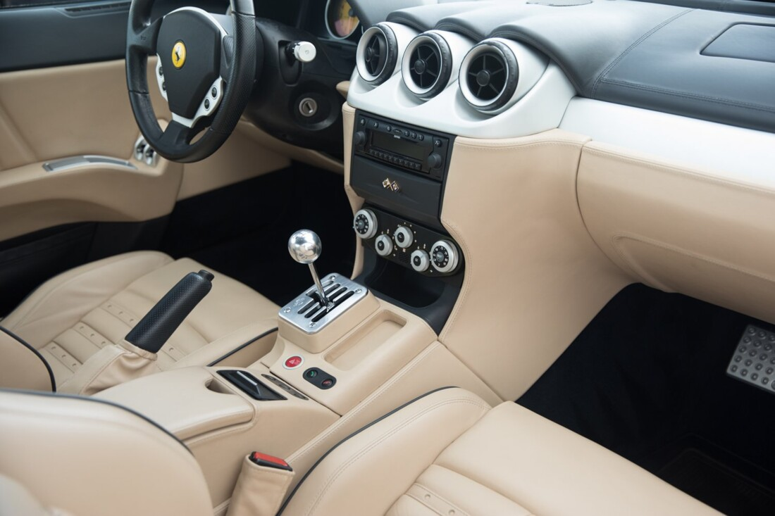 2005 Ferrari 612 Scaglietti image _60c36c3804a770.36626515.jpg