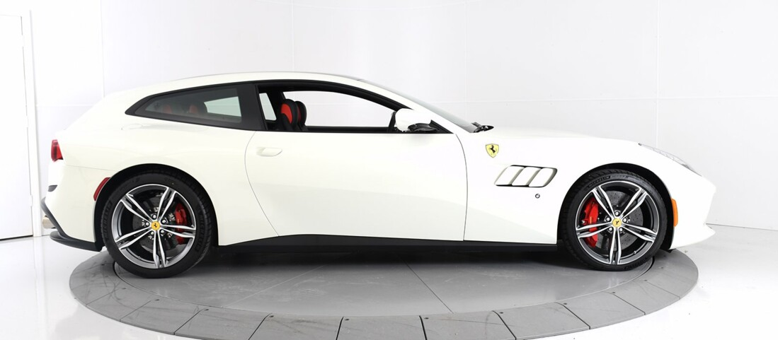 2020 Ferrari GTC4Lusso image _60c77af8262608.88159662.jpg