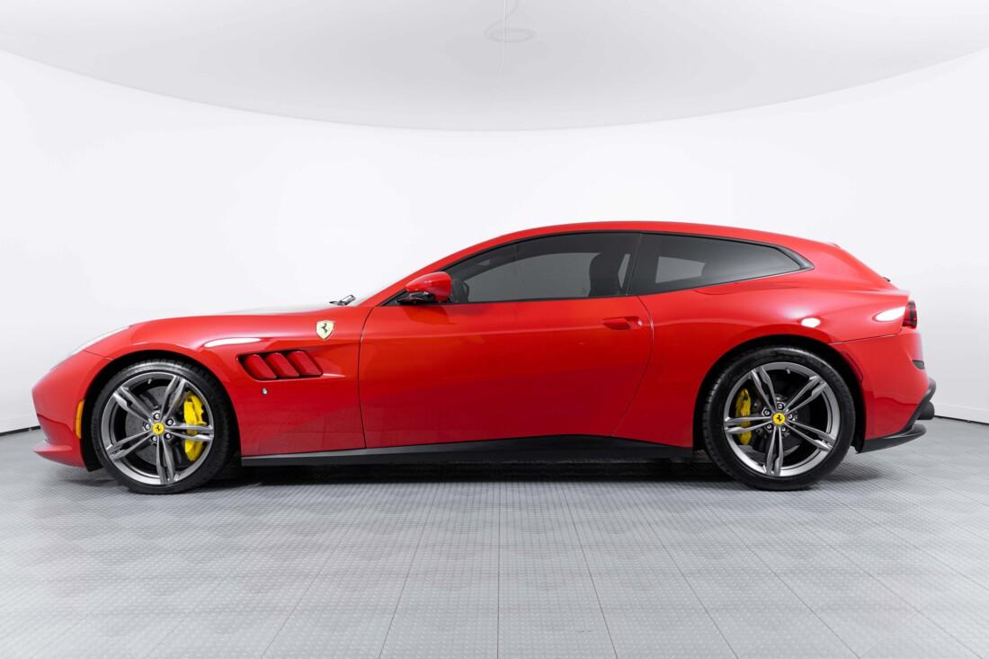 2019 Ferrari GTC4Lusso image _60c78196f14df2.90919777.jpg