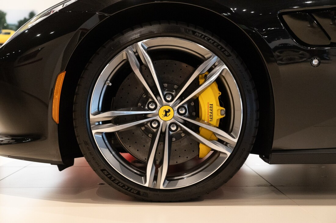 2019 Ferrari GTC4Lusso image _60c79b5f154933.03060993.jpg
