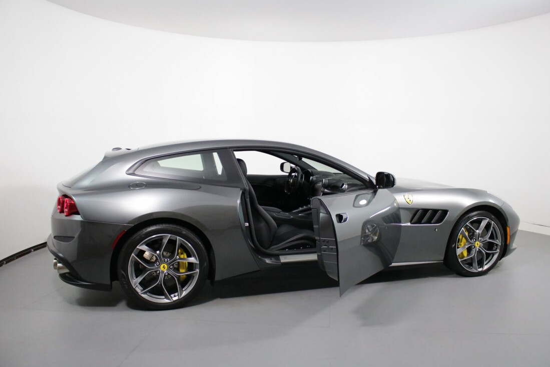 2018 Ferrari GTC4Lusso image _60c7ac6eeee481.55012035.jpg