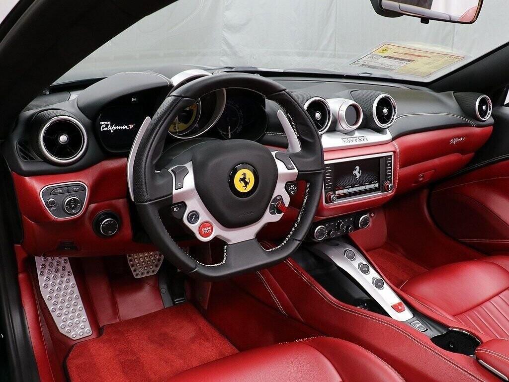 2018 Ferrari  California T image _60c7b8403b1067.70038413.jpg