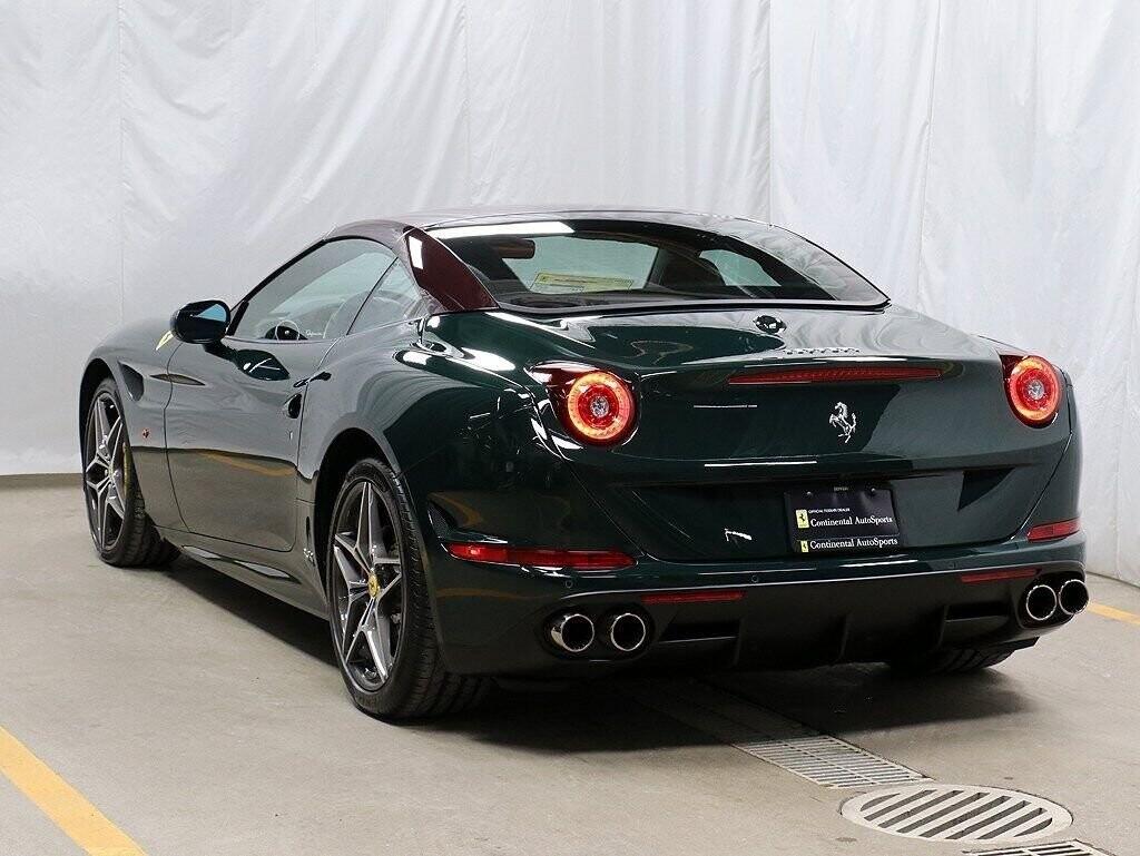 2018 Ferrari  California T image _60c7b84e718602.23804581.jpg