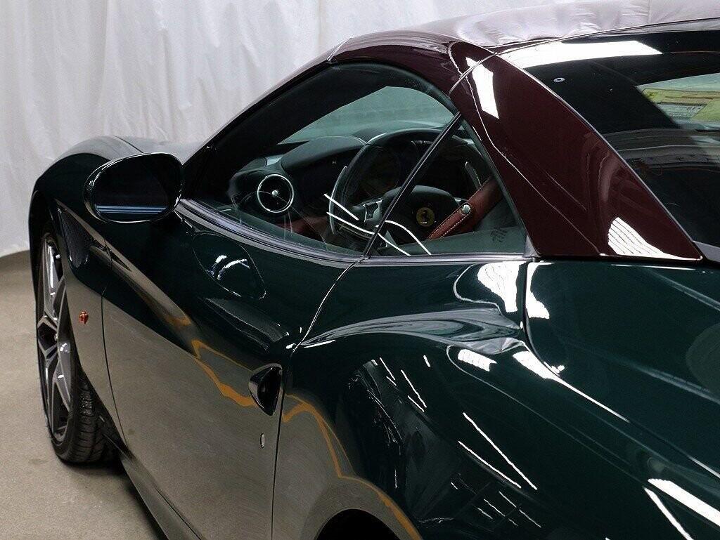 2018 Ferrari  California T image _60c7b84f085644.10071171.jpg
