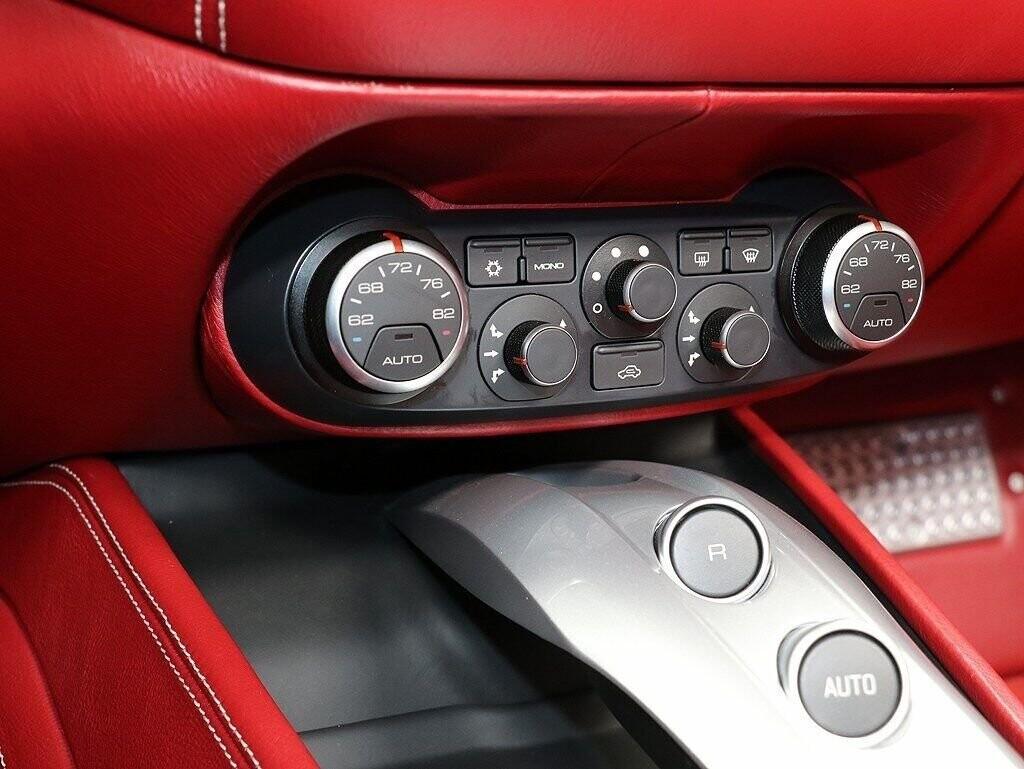 2018 Ferrari  California T image _60c7b8596313f4.10111823.jpg