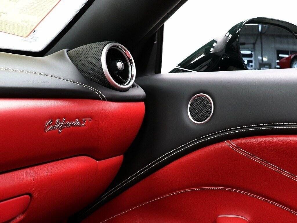 2018 Ferrari  California T image _60c7b85a0521b2.31285170.jpg