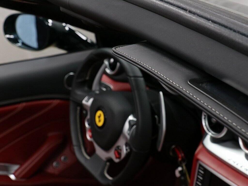 2018 Ferrari  California T image _60c7b862833b23.12569284.jpg