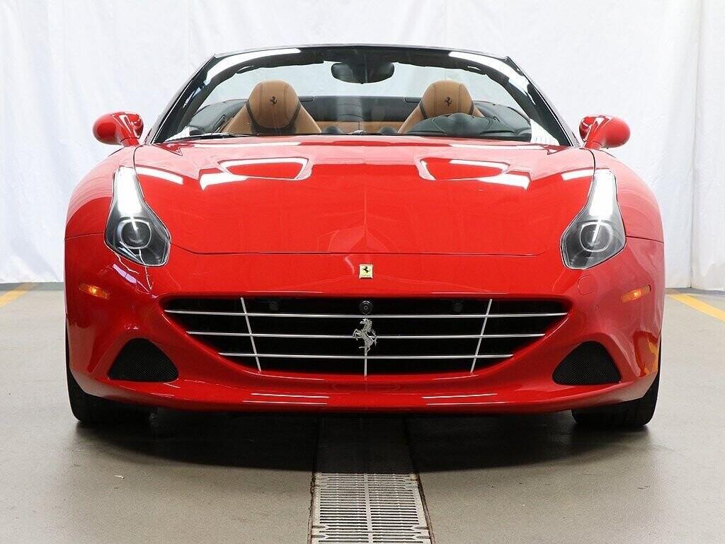 2016 Ferrari  California image _60c7b9537317f0.44015031.jpg