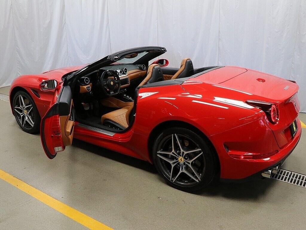 2016 Ferrari  California image _60c7b960f10549.53858470.jpg