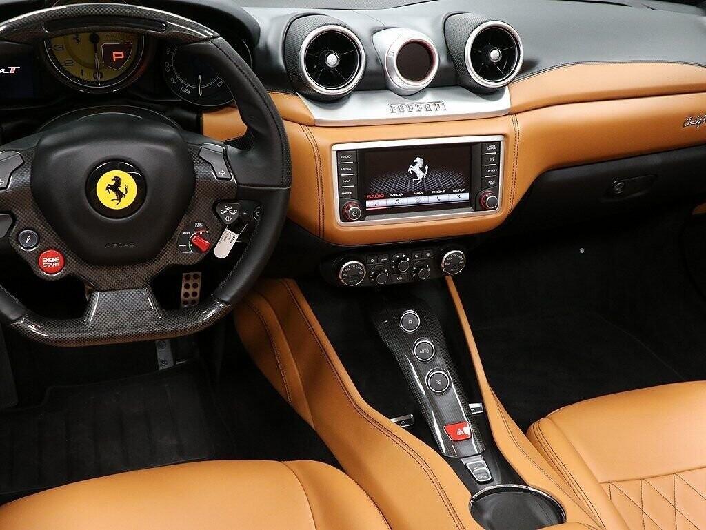 2016 Ferrari  California image _60c7b9654aa3f4.98918037.jpg