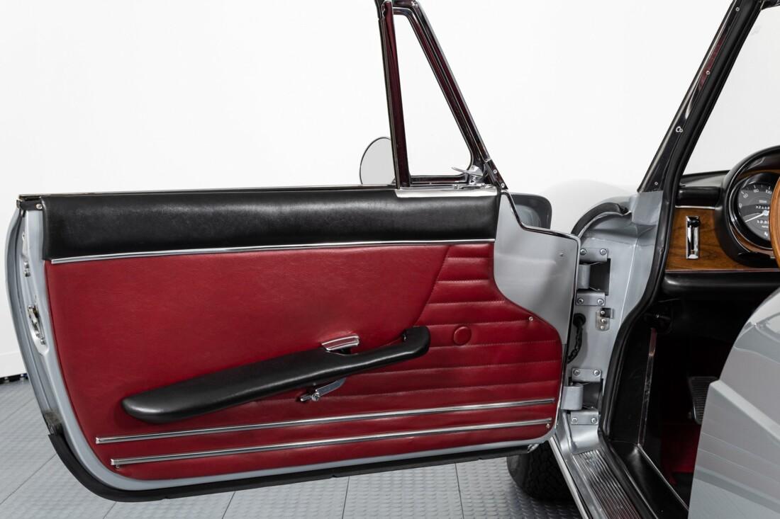 1968 Ferrari 330 GTS image _60c9d74a028aa7.27650971.jpg