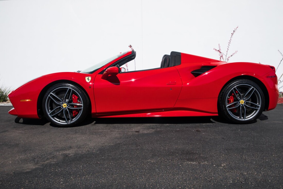 2018 Ferrari 488 Spider image _60edaa292b7aa5.55595950.jpg
