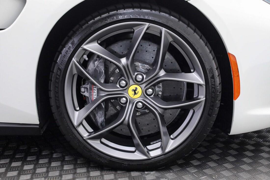 2018 Ferrari GTC4Lusso T image _60edaa951d1145.01288175.jpg