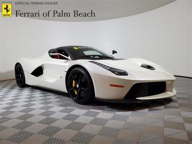 2015 Ferrari La image _60edb0dd1527a7.36852630.jpg