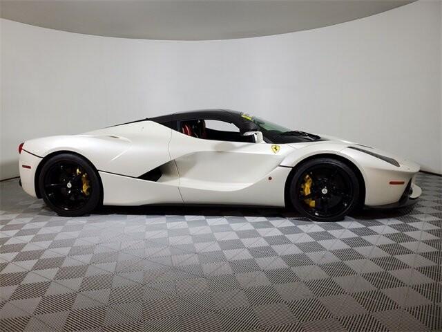 2015 Ferrari La image _60edb0de206216.98835596.jpg