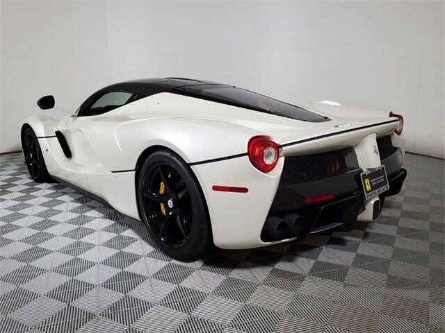 2015 Ferrari La image _60edb0e1481e55.87051793.jpg