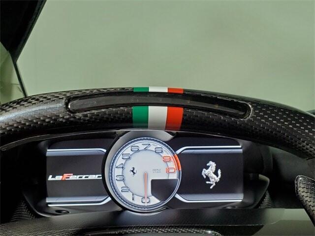 2015 Ferrari La image _60edb0e52e2b76.93318612.jpg