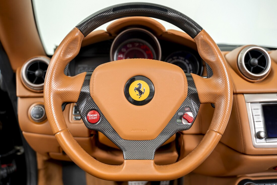 2010 Ferrari  California image _60edc48d6f6902.39599550.jpg