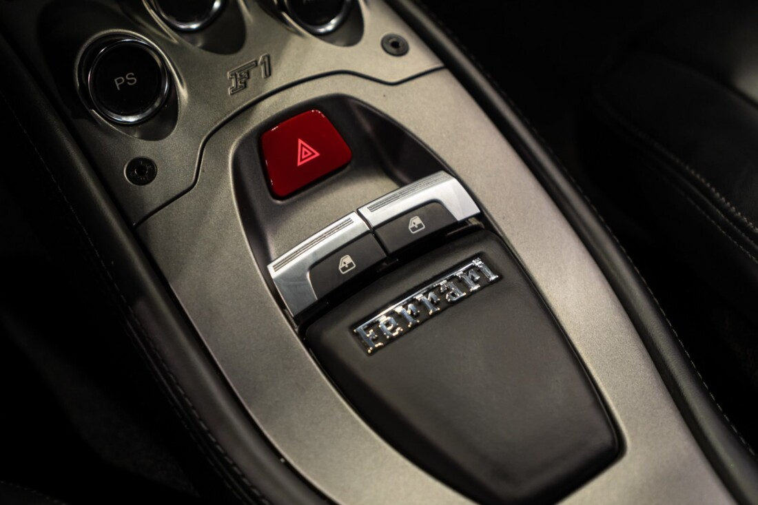 2011 Ferrari  458 Italia image _60edcae5b25cc8.24286761.jpg