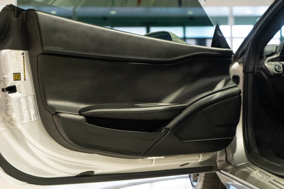 2011 Ferrari  458 Italia image _60edcaf2e85a82.94989028.jpg