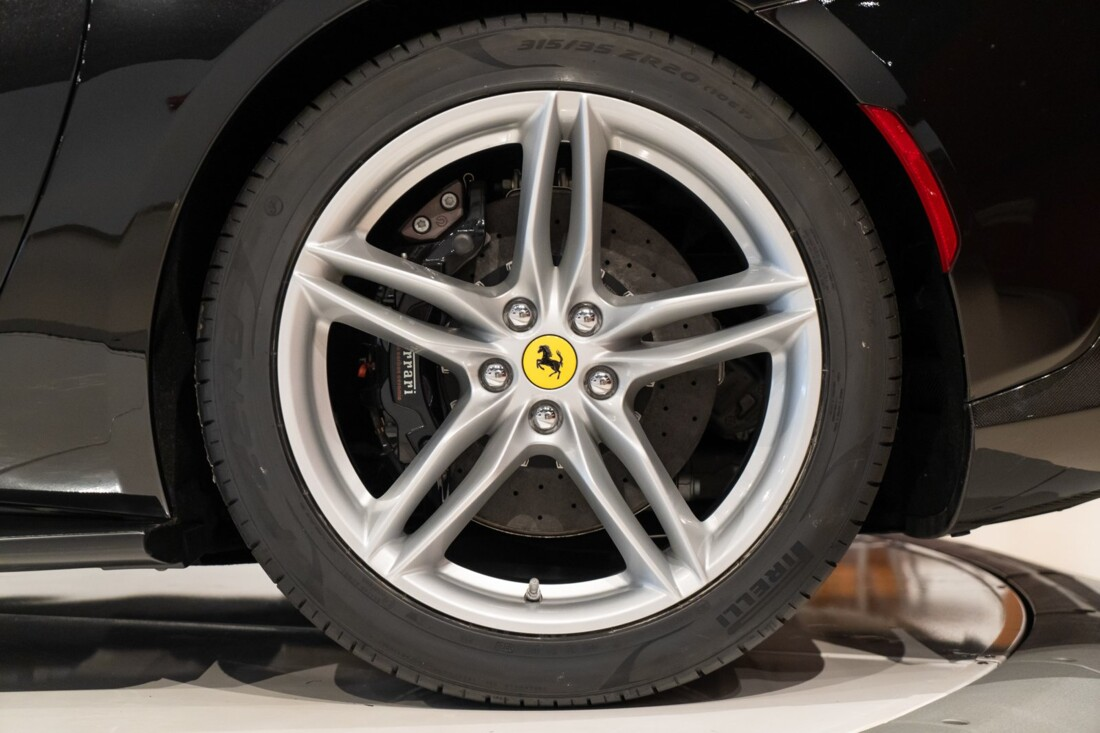 2019 Ferrari 812 Superfast image _60edcc0898da24.37466350.jpg