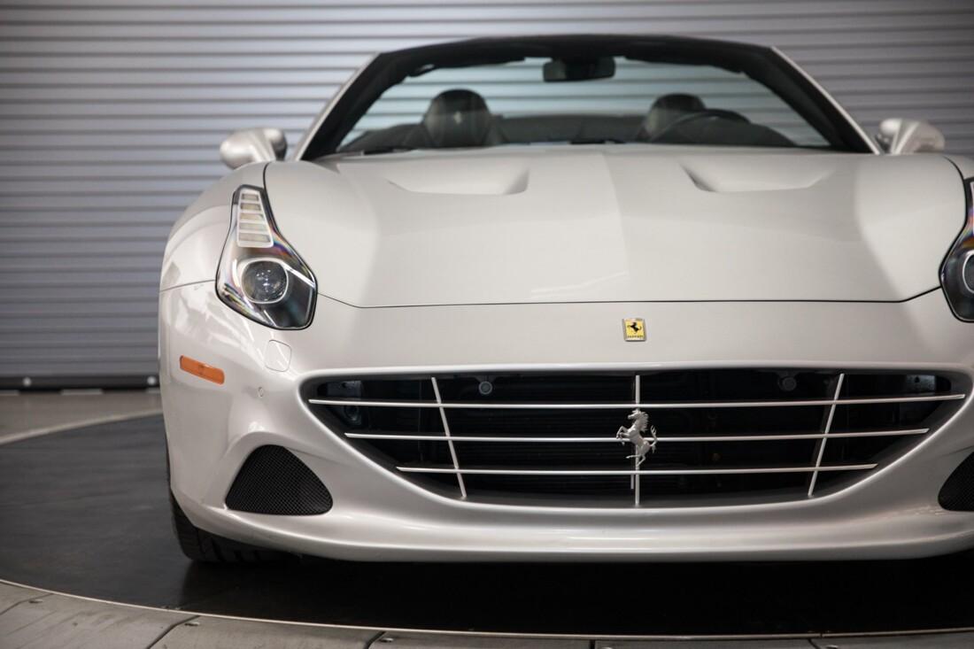 2015 Ferrari  California T image _60f28145c54908.55737704.jpg