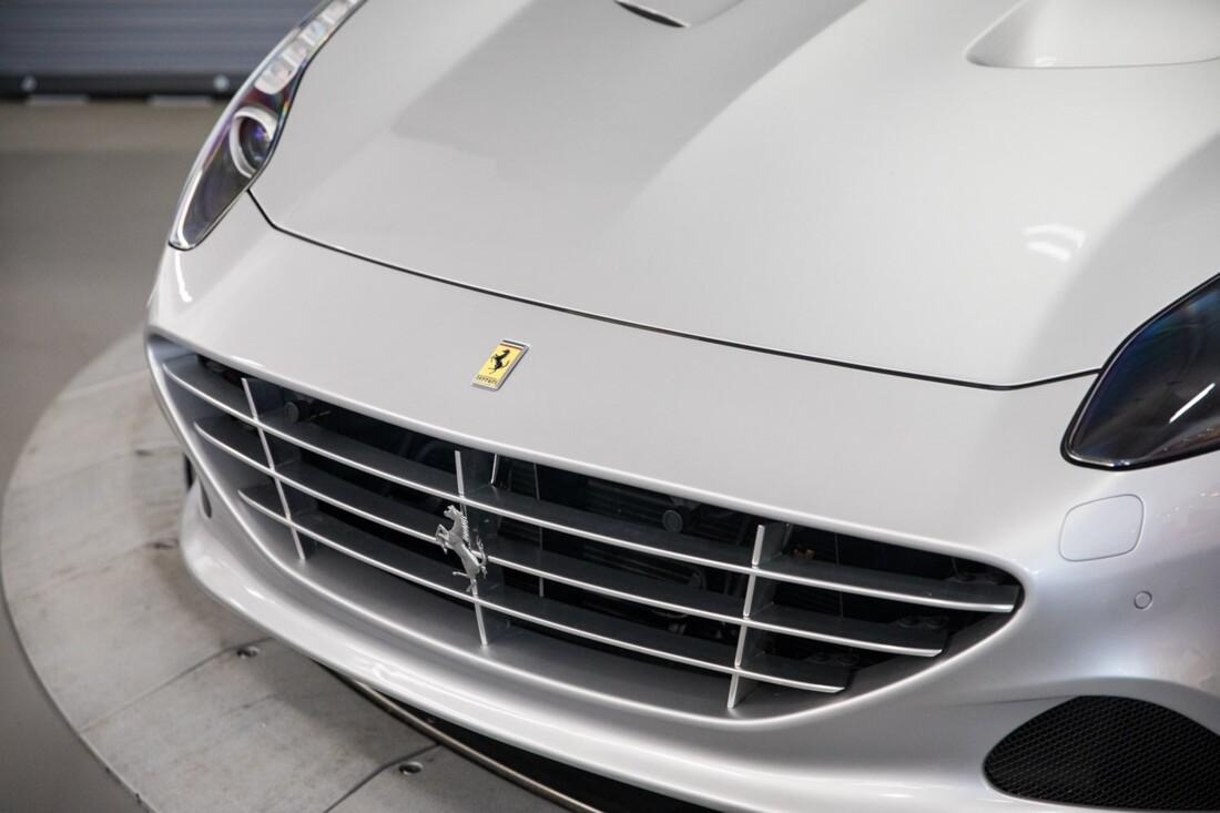 2015 Ferrari  California T image _60f281472170b8.52675196.jpg