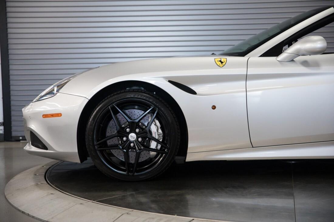 2015 Ferrari  California T image _60f28147af8410.22858581.jpg