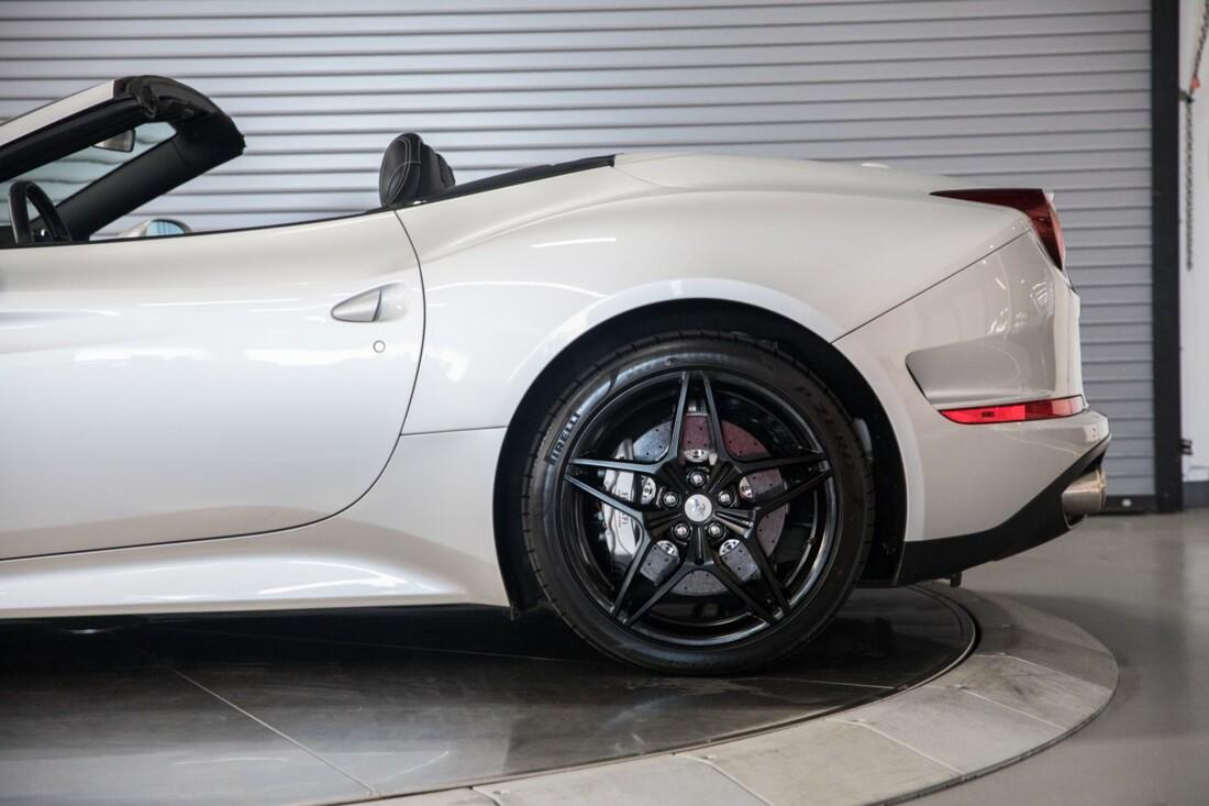 2015 Ferrari  California T image _60f281495f80d3.78782310.jpg