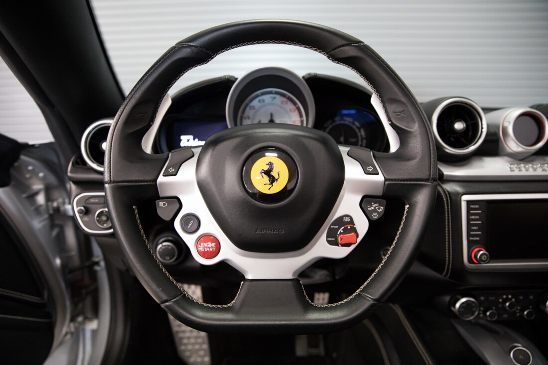 2015 Ferrari  California T image _60f2814f6eee90.48868054.jpg