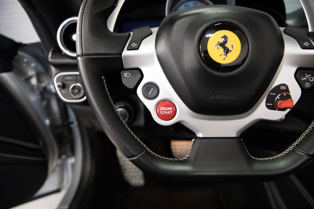 2015 Ferrari  California T image _60f2814ff329c6.09861741.jpg