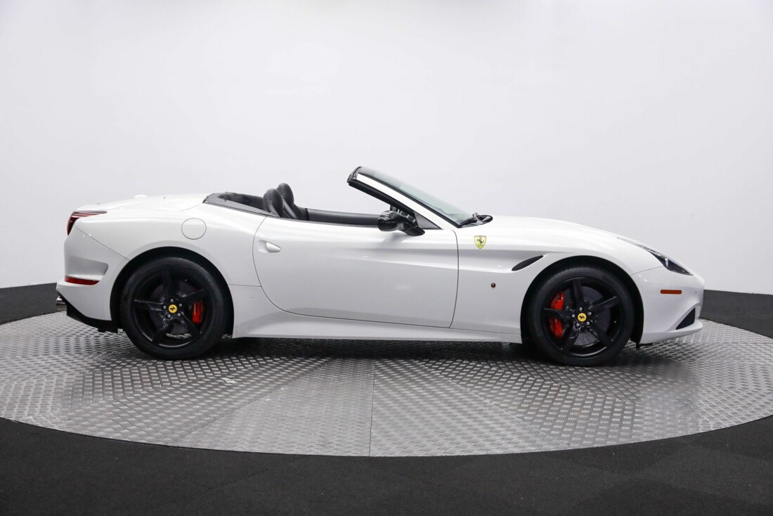 2016 Ferrari Ferrari California image _60f904314b5923.04969103.jpg