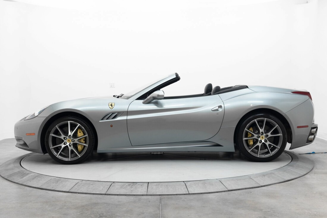 2012 Ferrari  California image _60f90b48cb1b16.79076149.jpg