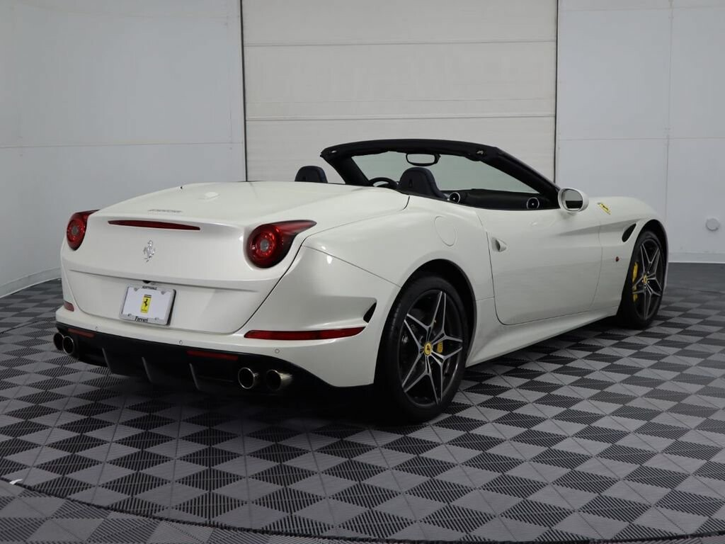 2015 Ferrari  California image _60f90dcd6efaa2.38743158.jpg