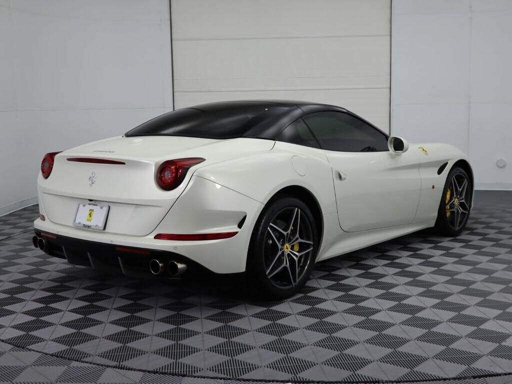 2015 Ferrari  California image _60f90dd1bb33d3.13945454.jpg