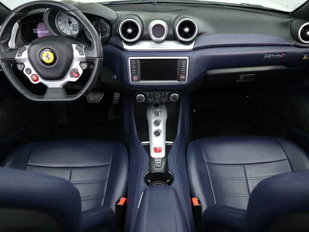 2015 Ferrari  California image _60f90dd5c0e518.26658616.jpg