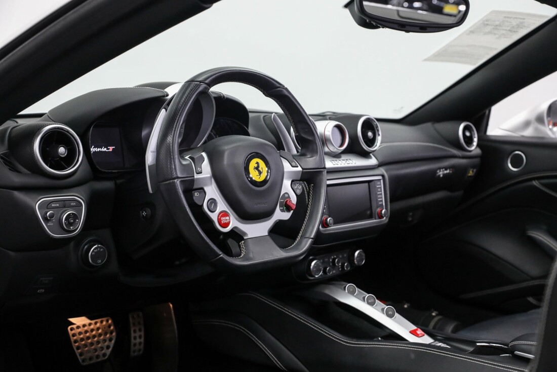2015 Ferrari  California image _60fe5fa79505c2.86514289.jpg