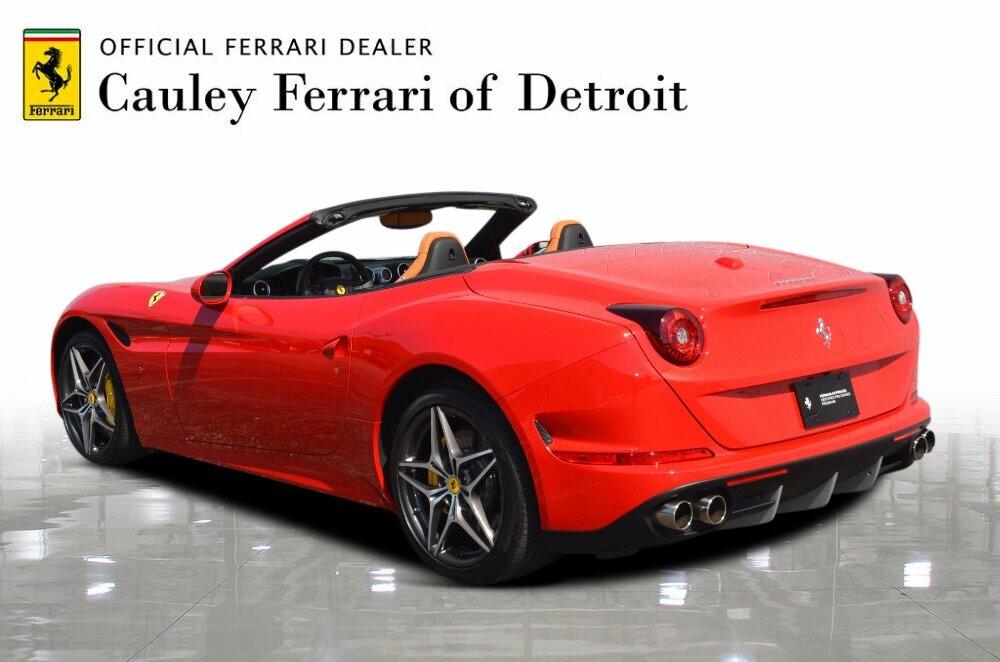 2016 Ferrari  California image _610646bdc6b349.21242630.jpg