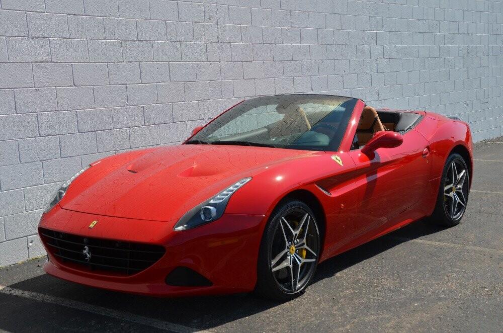 2016 Ferrari  California image _610646bec61f47.09286840.jpg