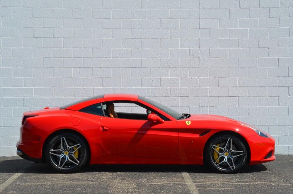 2016 Ferrari  California image _610646c3598c98.52301621.jpg