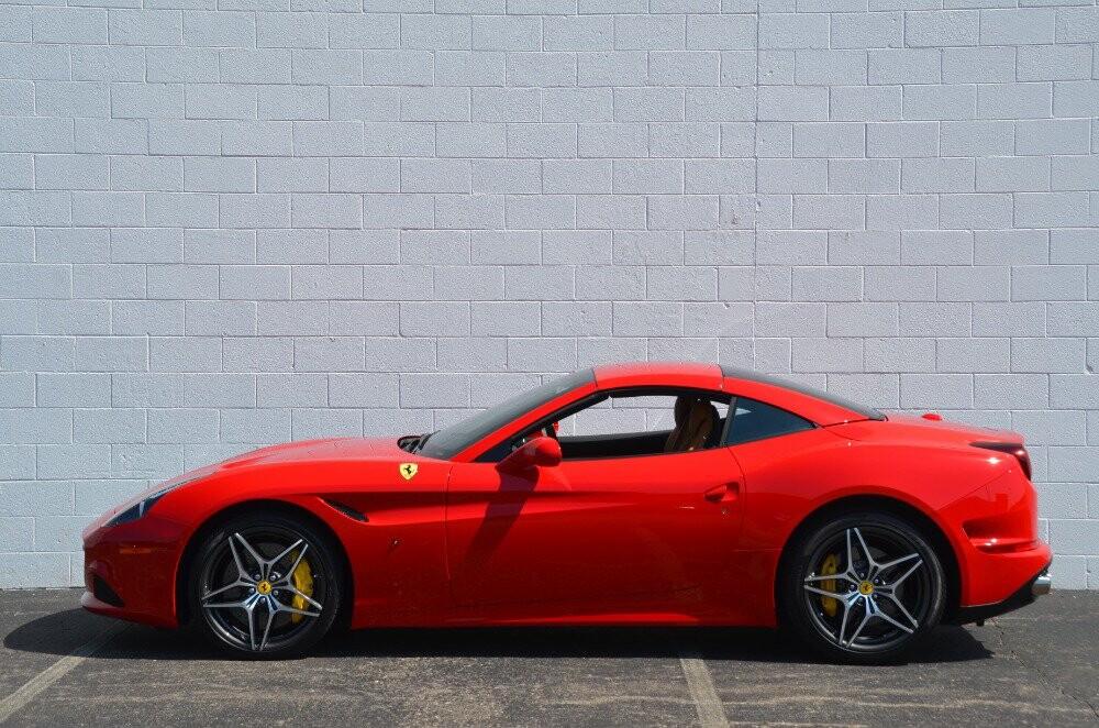 2016 Ferrari  California image _610646c5acb647.40031038.jpg