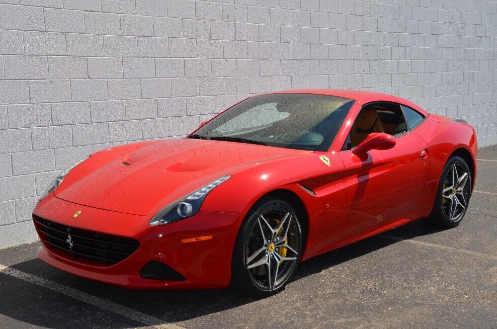 2016 Ferrari  California image _610646c64d2742.48138201.jpg