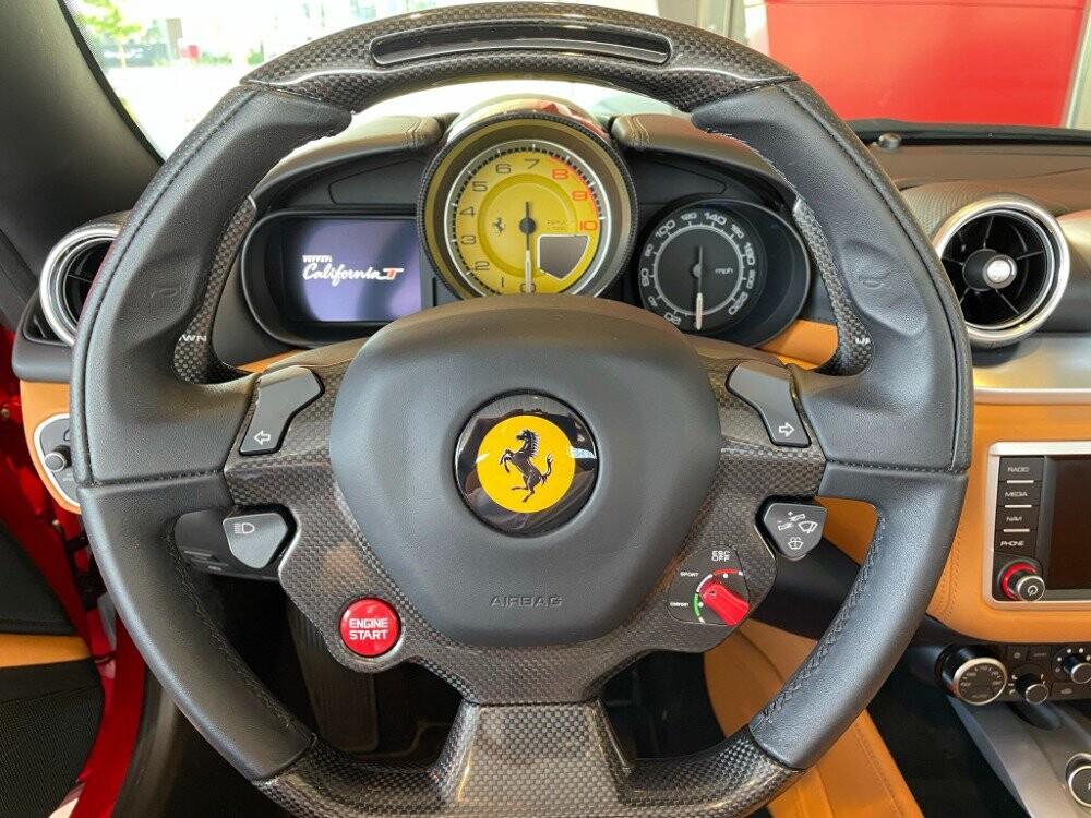 2016 Ferrari  California image _610646cfb16f48.45517787.jpg